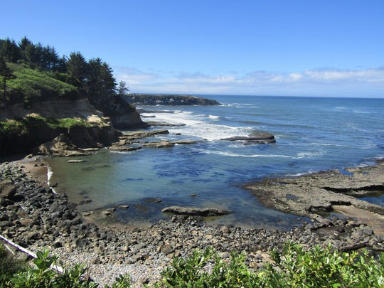 A secret path leads down to the tidepool area at Boiler Bay.