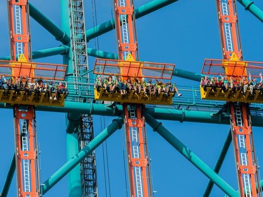 Zumanjaro gondola trio dropping.jpg