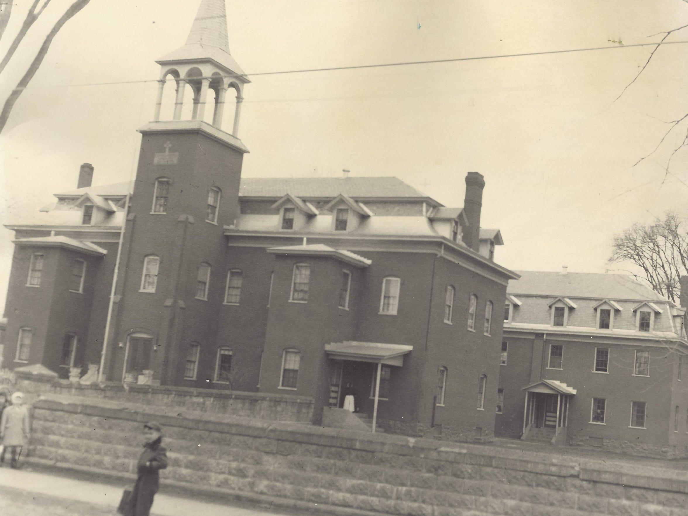 St Louis School
