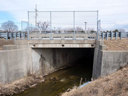 The 24th Avenue bridge over the Howe Drain in Fort