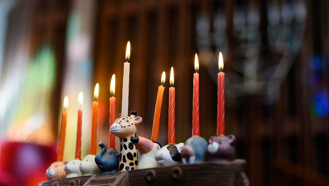 Are you considering a Jewish education for your child? Do you know a family who is? Temple Beth Israel's religious school is accepting registrations.