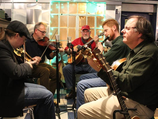 Traonach will perform a concert of traditional Irish tunes and songs on Tuesday at Cornell.