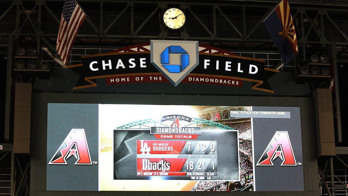 635996318107717398-chase-field2