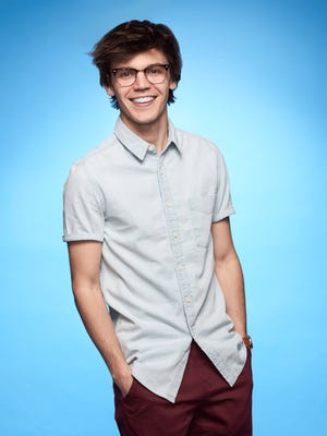 """MacKenzie Bourg moves into top eight on """"American Idol."""""""
