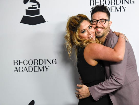Leyicet Peralta and Danny Gokey enjoy themselves as