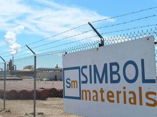 Simbol Materials' Imperial Valley demonstration plant sits dormant on April 29, 2016, while EnergySource's Featherstone geothermal plant belches steam in the background.