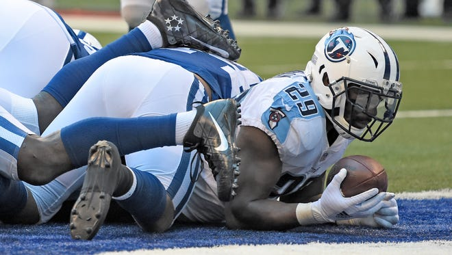 Titans running back DeMarco Murray (29) goes in for the touchdown during the second half at Lucas Oil Stadium Sunday, Nov. 26, 2017 in Indianapolis, Ind.