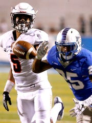 MTSU's Desmond Anderson (25) misses a pass as UTEP's Nik Needham (5) covers him during the game against UTEP on Nov. 4, 2017. Anderson made the move to cornerback last spring and has been a standout during spring so far, coach Rick Stockstill said.