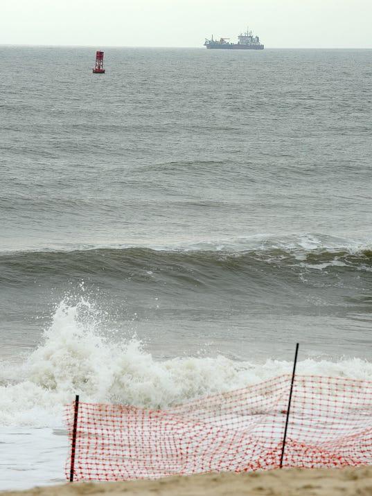 -SBYBrd_08-02-2013_DailyTimes_1_A002~~2013~08~01~IMG_072613-surfing-cs.45_1_.jpg