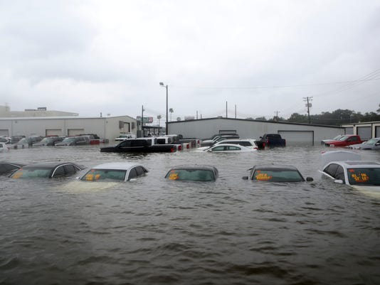 Usa Auto Sales >> Hurricane Harvey Weakens U S Auto Sales Until Cars Can Be