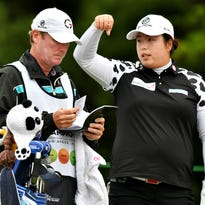 'Don't tell me': Feng surges to grab Volvik lead