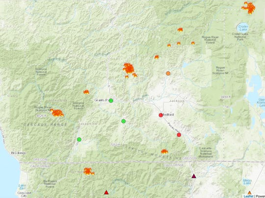 This map shows the wildfires burning in Southern Oregon and the air quality in local towns.