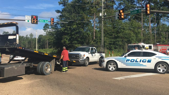Hattiesburg police and fire departments responded Monday morning to a wreck at 40th Avenue and Lincoln Road.