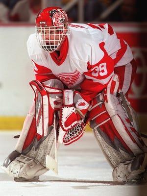 Detroit Red Wing goalie Dominik Hasek in 2002.
