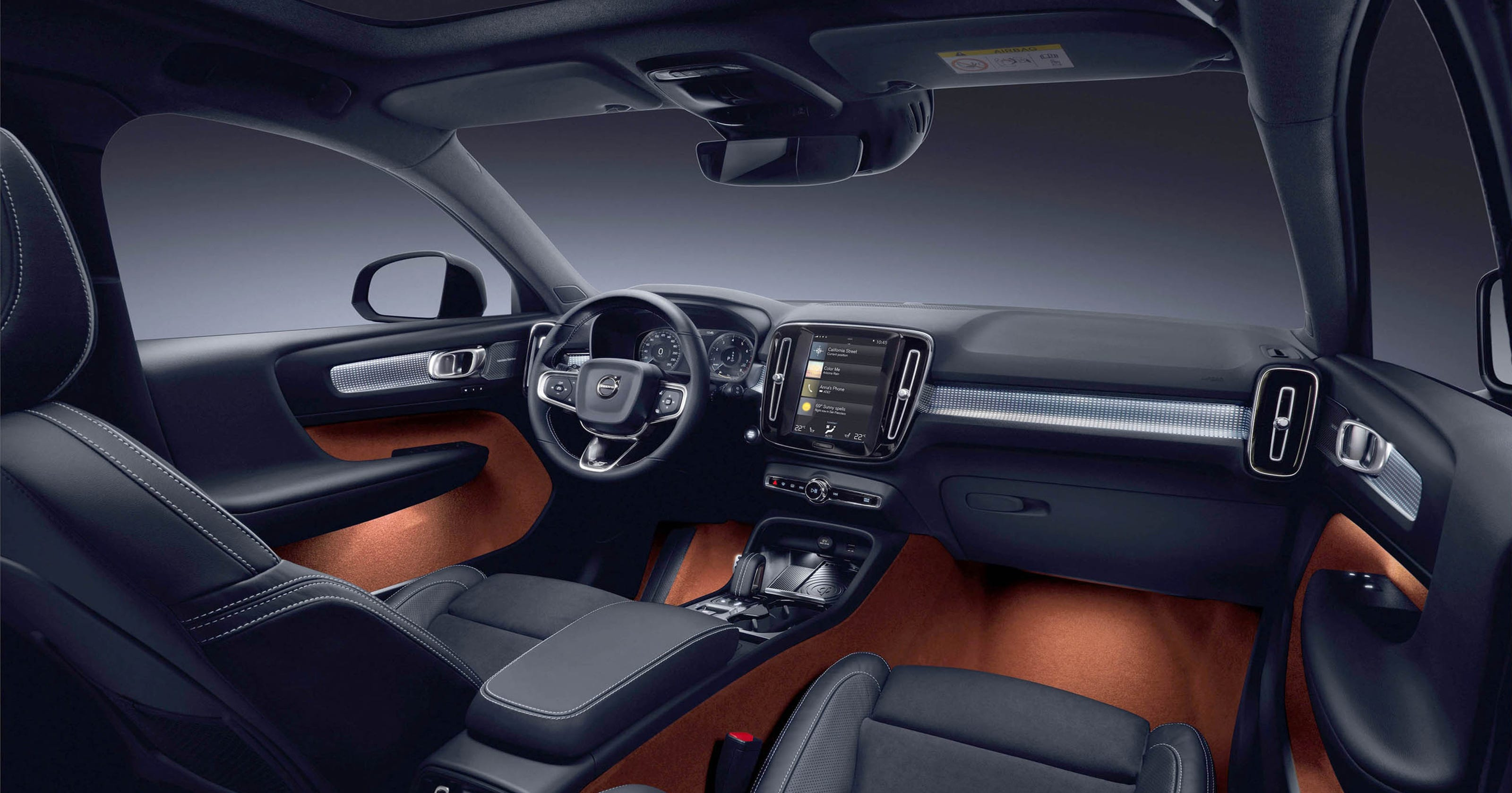 Review 2019 Volvo Xc40 Suv Has Wireless Phone Charging Carryout Bag Hook
