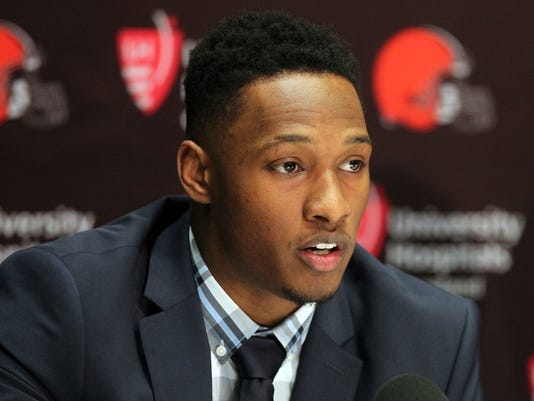 AP BROWNS RANDALL TWEET S FBN FILE USA OH