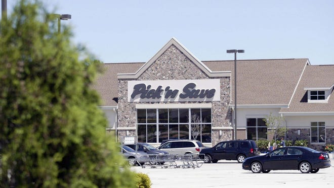 Roundy's says it's planning to shutter its Pick 'n Save location along Sheboygan's South Business Drive by the end of June 2017.