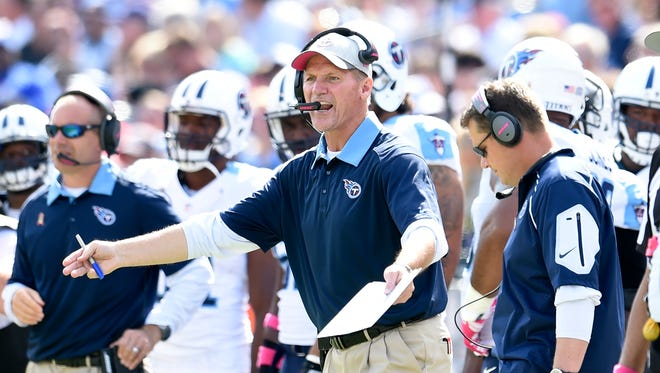 Titans head coach Ken Whisenhunt argues a referees call during the second quarter against the Bills on Oct. 11, 2015.
