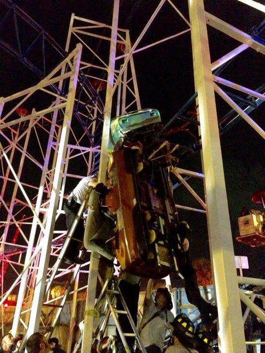 Roller Coaster Derails