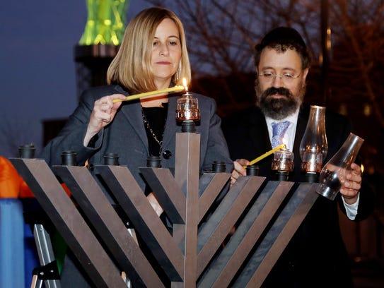 Mayor Megan Barry and Rabbi Yitzchok Tiechtel, from