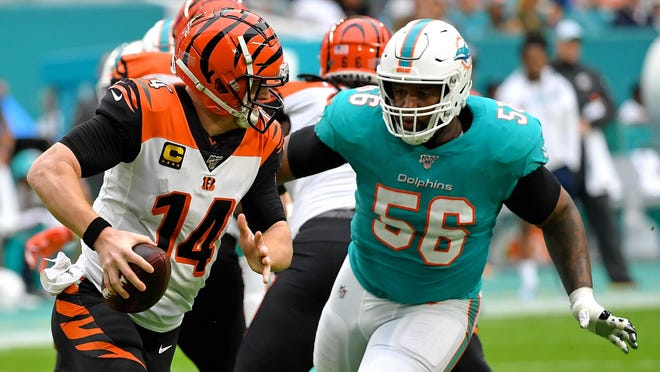 Dolphins defensive tackle Davon Godchaux is helping feed the needy in Miami and his hometown in Louisiana.