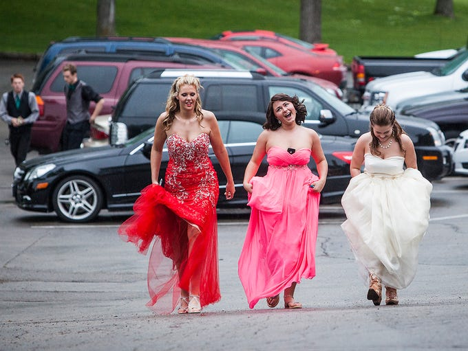Monroe Central celebrates prom at the Delaware Country