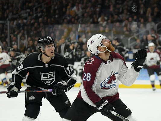 Avalanche_Kings_Hockey_39721.jpg