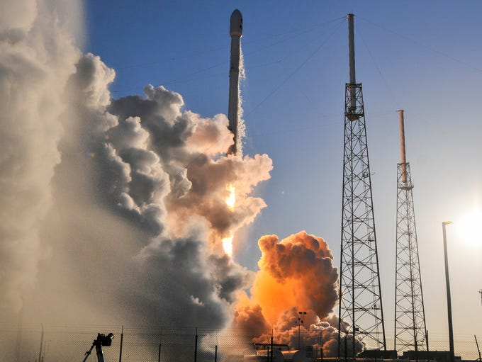 A SpaceX Falcon 9 rocket lifts off from Complex 40