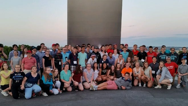 Port Clinton City Schools is raising funds to send 8th graders to Washington after a travel company closed its doors, filed for bankruptcy, and kept the $50,000 that Port Clinton students had paid for their trip.