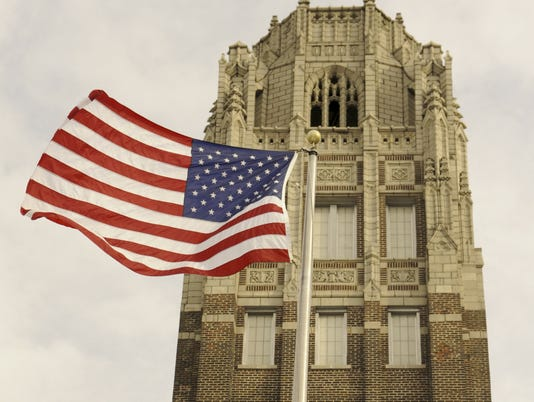 635619413341588072-Manitowoc-Lincoln-High-School-Tower-Flag