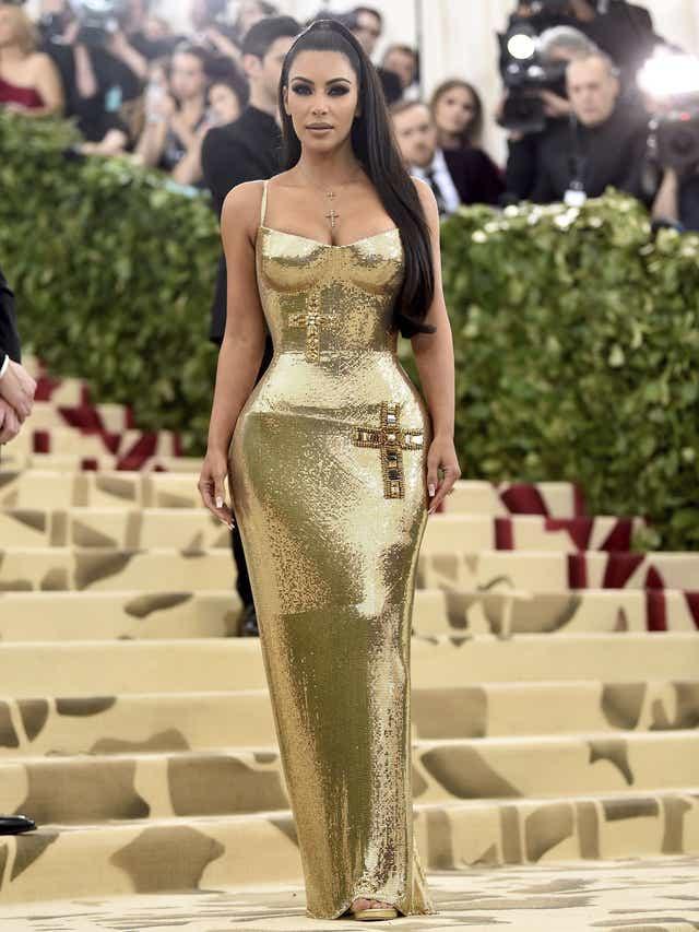 Kim Kardashian Statisticile corpului în greutate