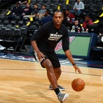 Pregame report: Khris Middleton moves into Bucks' starting lineup; Beasley off bench