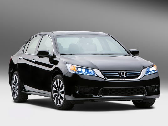2014_Honda_Accord_Hybrid_01