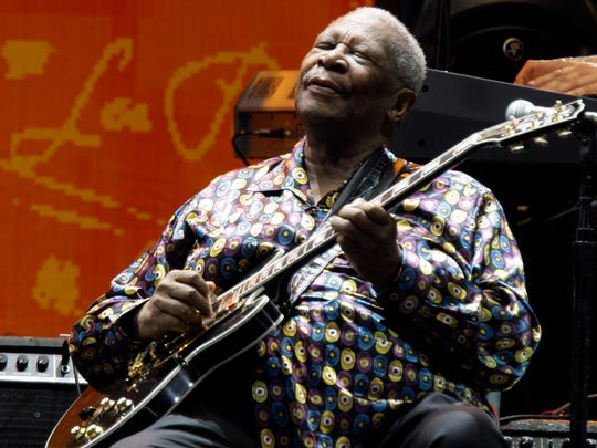 In this June 26, 2010 file photo, B.B. King performs during the Crossroads Guitar Festival in Chicago.