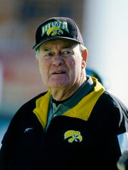 Iowa Hawkeyes head coach Hayden Fry prior to a game