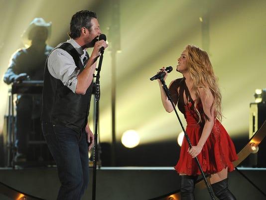Blake Shelton and Shakira at the ACM Awards