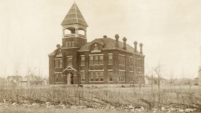 In 1884, the Northside  School was built shown in this 1888 photo taken by local photographer William Glines.