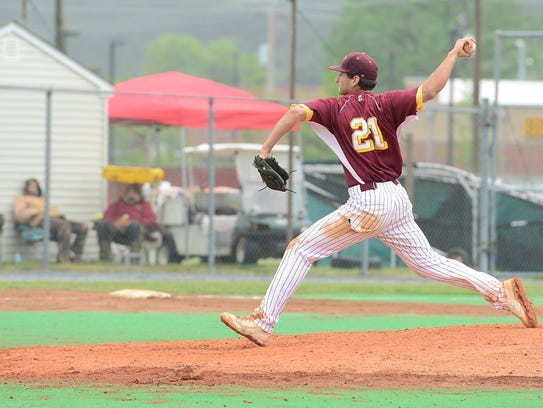 Seagull's Pete Grasso on the mound against University