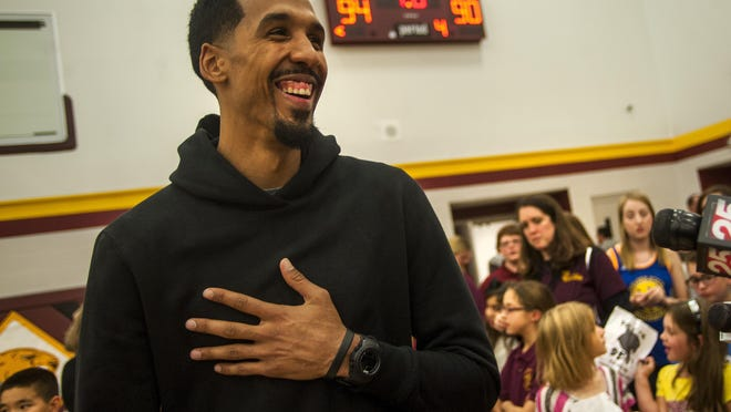 Peoria native and retired NBA champion Shaun Livingston will join the Golden State Warriors front office, according to The Athletic.