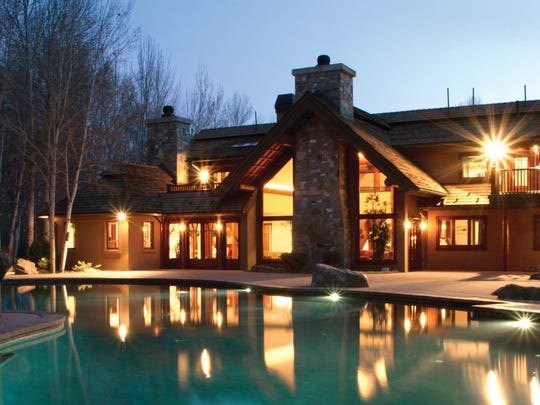 Bruce Willis' Sun Valley, Idaho, home features a heated, resort-size swimming pool.