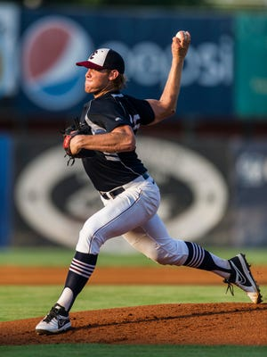 Evansville's Max Duval (25) pitches during the first inning against the Joliet Slammers at Bosse Field in Evansville, Ind., on Friday, July 7, 2017. The Otters defeated the Slammers, 10-5.