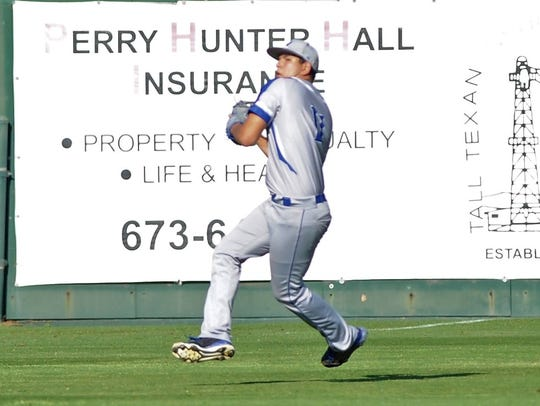 Winters left fielder Troy Hernandez (11) gets set to