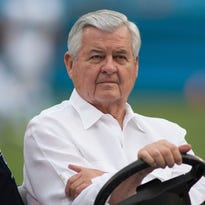 Jerry Richardson to put Panthers up for sale amid workplace misconduct investigation