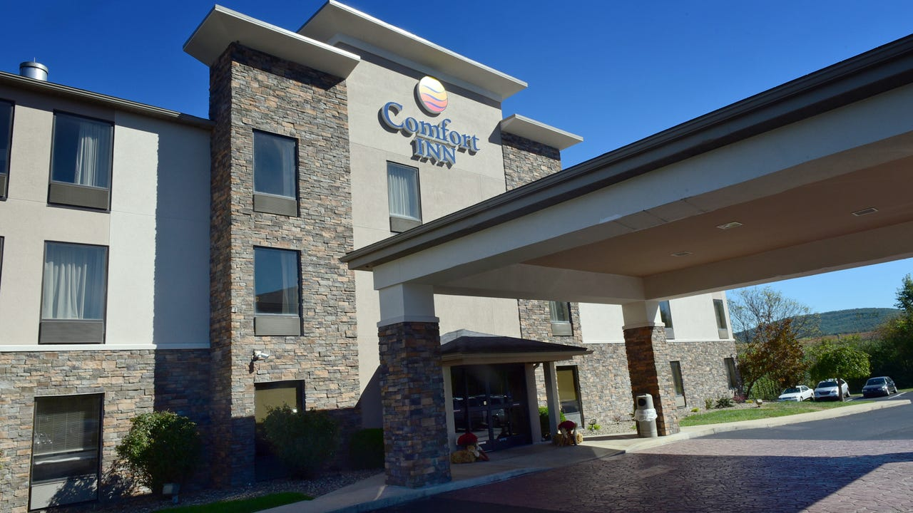 A ribbon cutting was held Tuesday, Oct. 17, 2017 at Comfort Inn, 3648 Old Scotland Road, to celebrate a grand re-opening and nearly $1 million in upgrades.