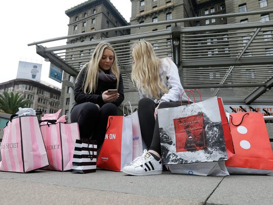 AP HOLIDAY SHOPPING ALL YEAR F FILE A USA CA