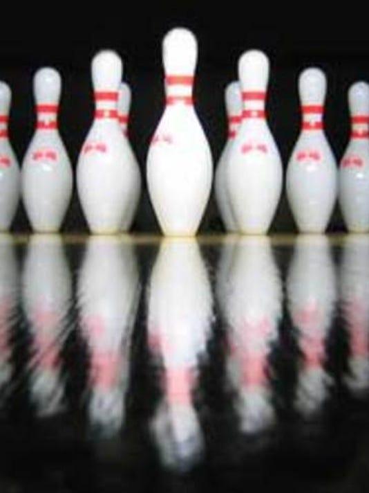 bowling_1409539694534_7659170_ver1.0_640_480.jpg