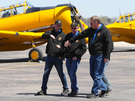 Members of the Canadian Harvard Aerobatics Team visualized