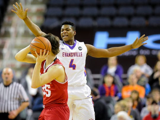 Former Aces' guard Jaiveon Eaves spent a year in junior college after transferring from Evansville.