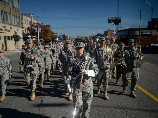 636155113598183427-veterans-parade.jpg