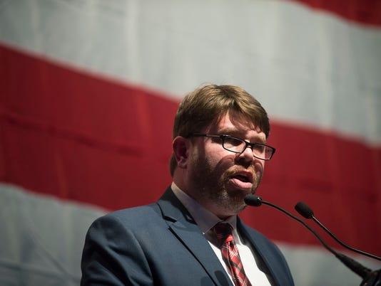 636224378013966416-2017-02-11-FL-RW-Michigan-Democratic-Party-Convention-025.jpg